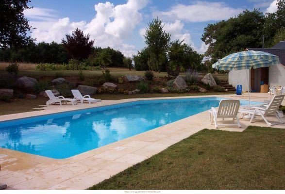 Concours et id es de d co vive la d coration for Constructeur piscine 17